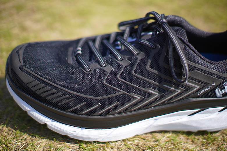 HOKA ONE ONE CLIFTON 4 側面アップ