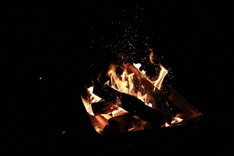 能登島家族旅行村Weランドで焚き火