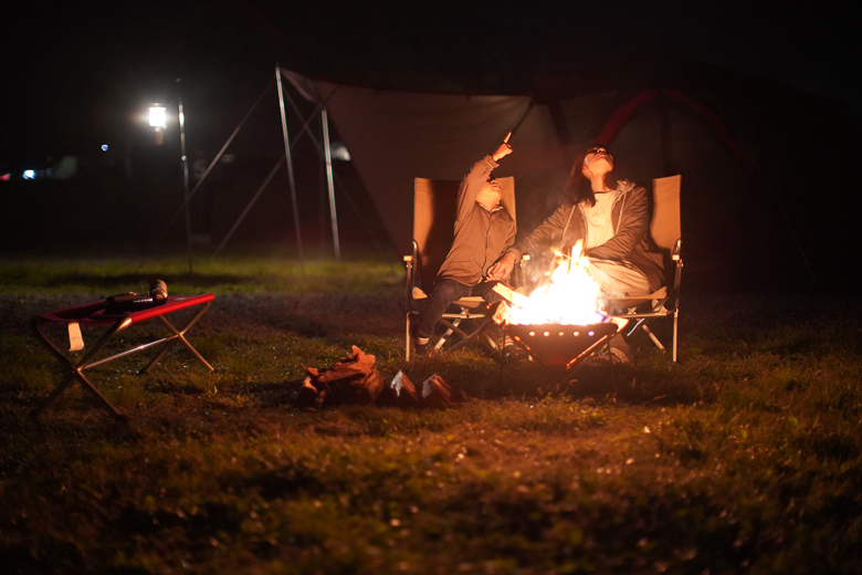 戸隠キャンプ場で焚き火