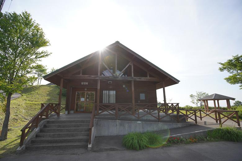 牛岳パノラマオートキャンプ場 きらら 管理棟