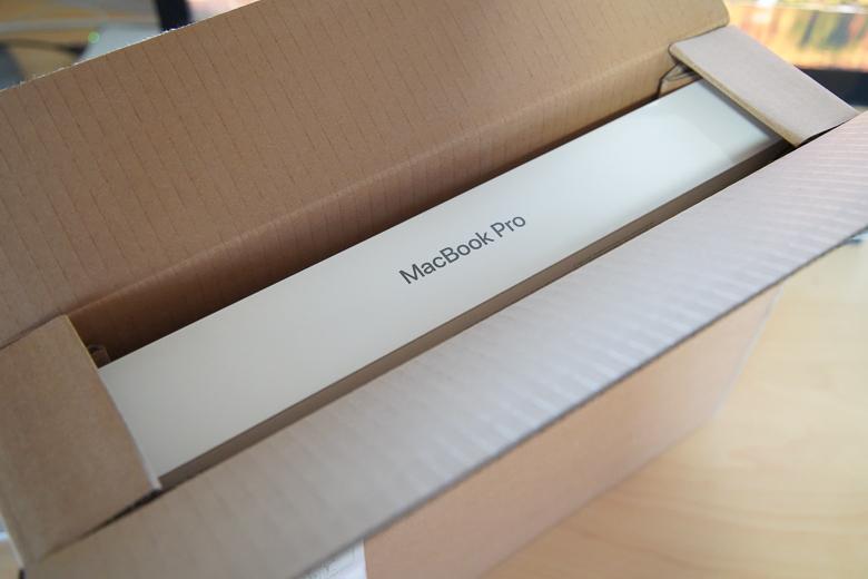新型MacBook Pro 2018開封