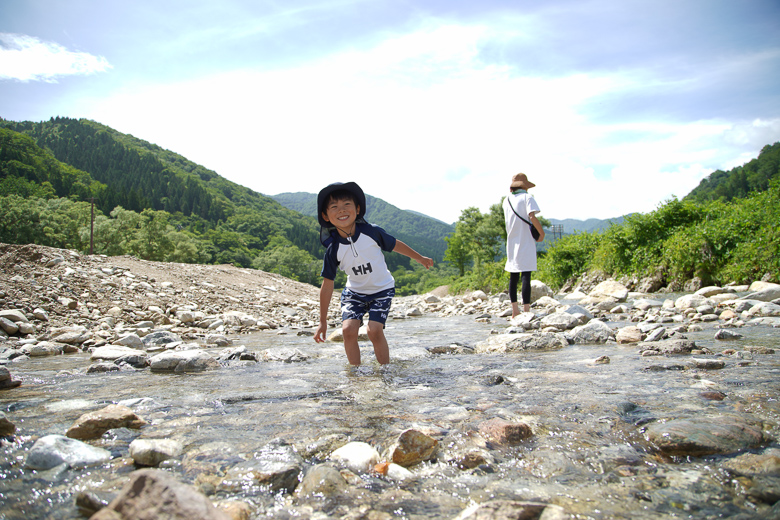 利賀国際キャンプ場 川遊び