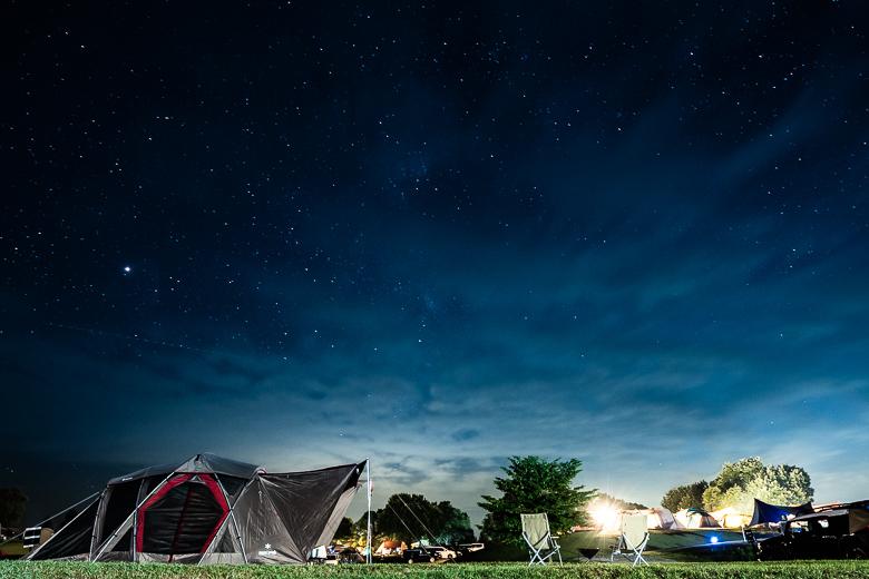 スノーピーク ヘッドクォーターズ キャンプフィールドの星空
