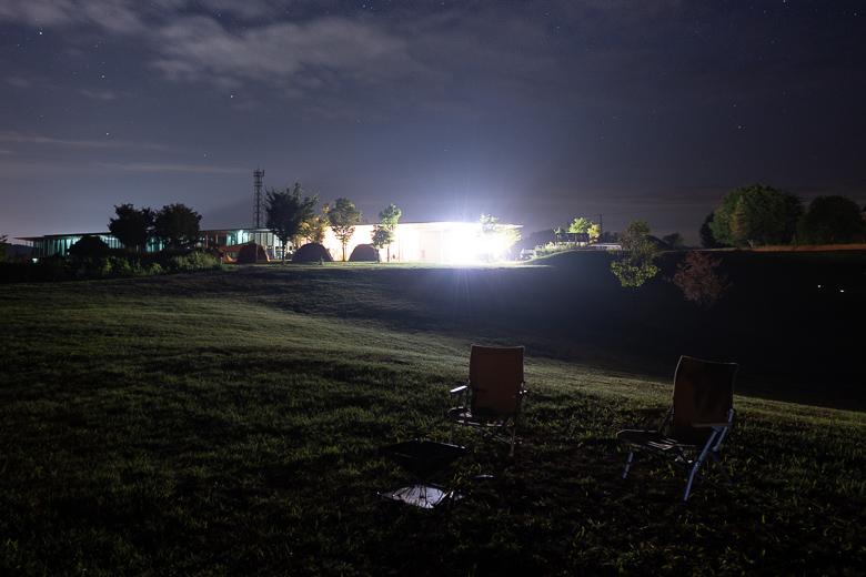 焚火の後 スノーピーク ヘッドクォーターズ キャンプフィールド