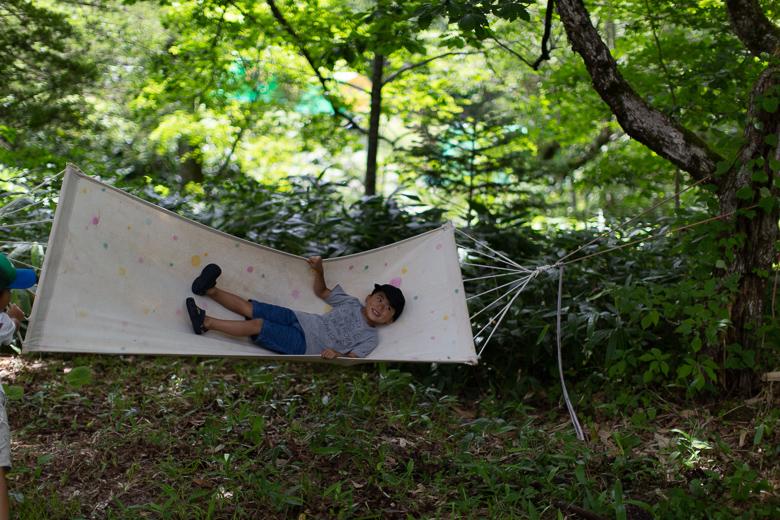 平湯キャンプ場でハンモック
