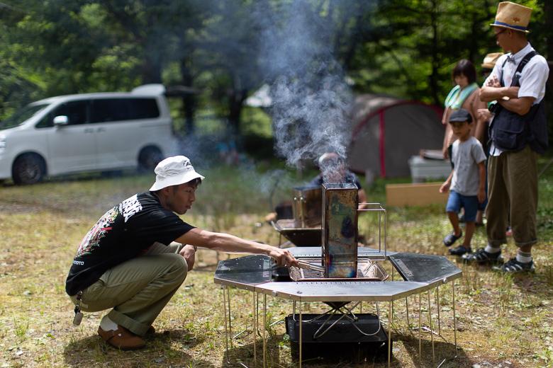 平湯キャンプ場 ジカロテーブル