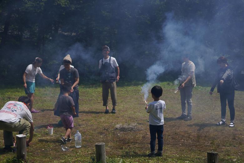 平湯キャンプ場で花火