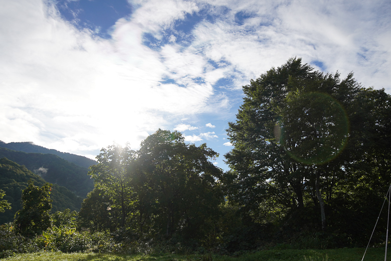 雨飾高原キャンプ場 晴れた空