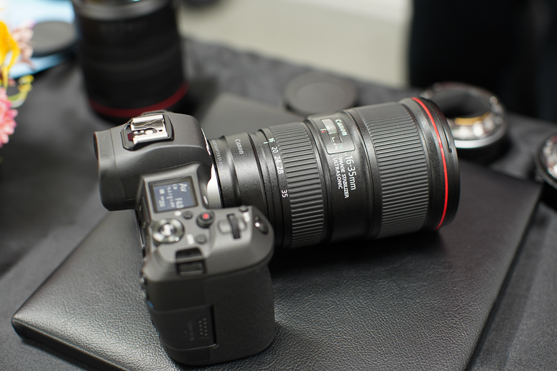 EOS RとEF16-35mm F4L IS USM