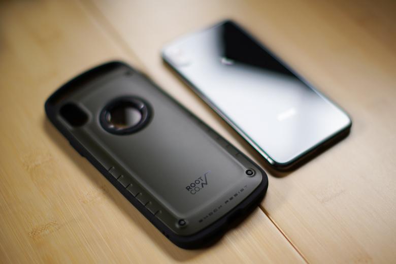 ROOT CO. iPhoneXS Max専用ケースとiPhoneXS Maxの本体比較