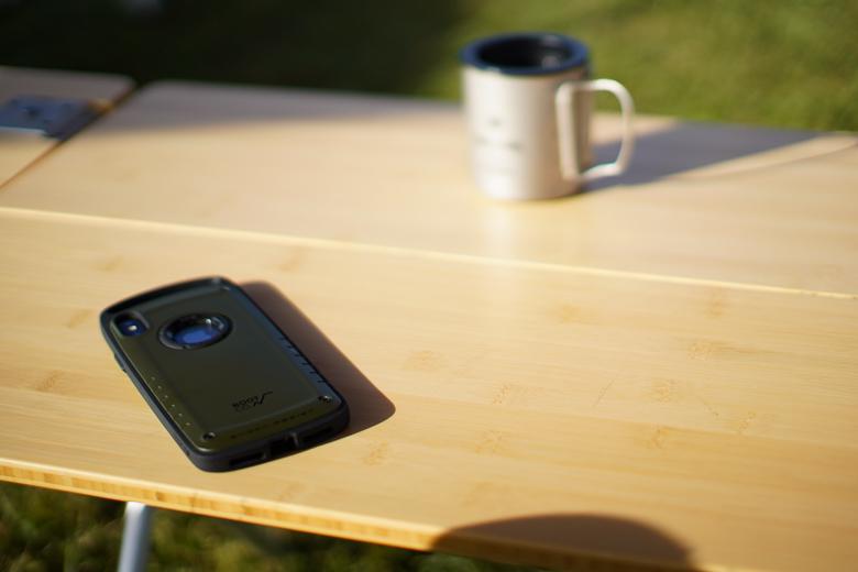 ROOT CO. iPhoneXS Max専用ケースをキャンプ場で使用
