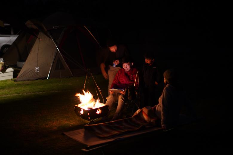 吉野オートキャンプ場で焚き火