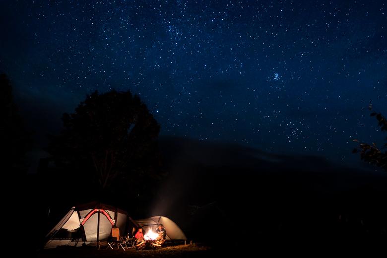 雨飾高原キャンプ場 焚き火と星空