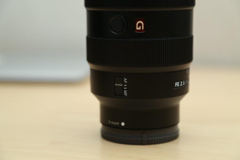ソニー FE 16-35mm F2.8 GM AF・MF切り替えスイッチ