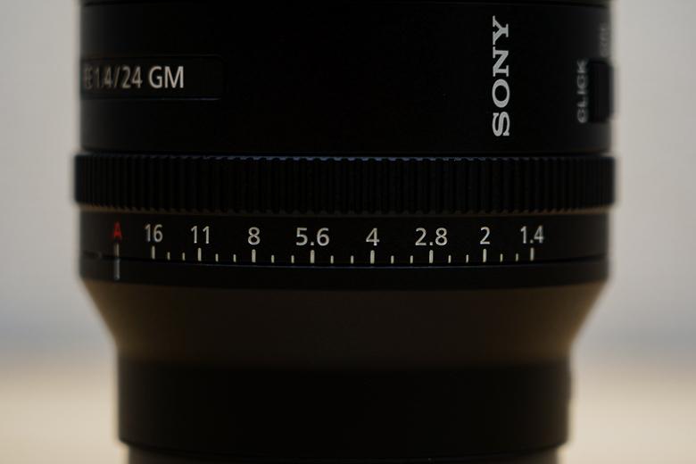 SONY FE 24mm F1.4 GM 絞り調節リング