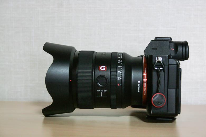 SONY a7iiiにFE 24mm F1.4 GMを取り付けた写真