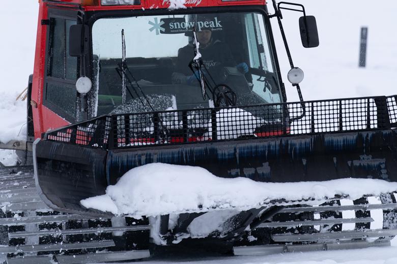 スノーピーク Headquarters 圧雪車