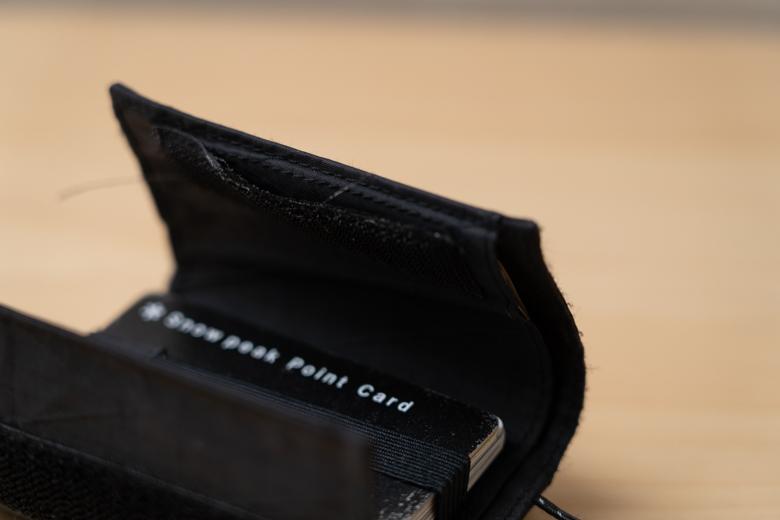 一年間使い込んだMINIMALIGHT(ミニマライト)PLAY WALLET − X-PAC