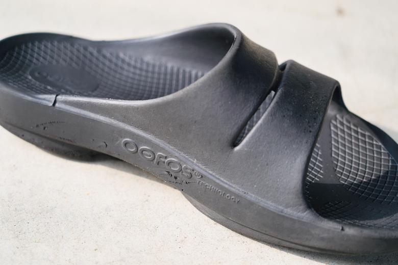 OOFOS(ウーフォス)リカバリーサンダル OOahhを10ヶ月履いた状態