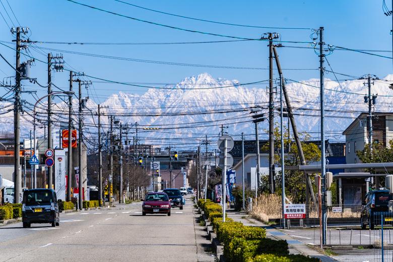 高岡市から見る立山連峰