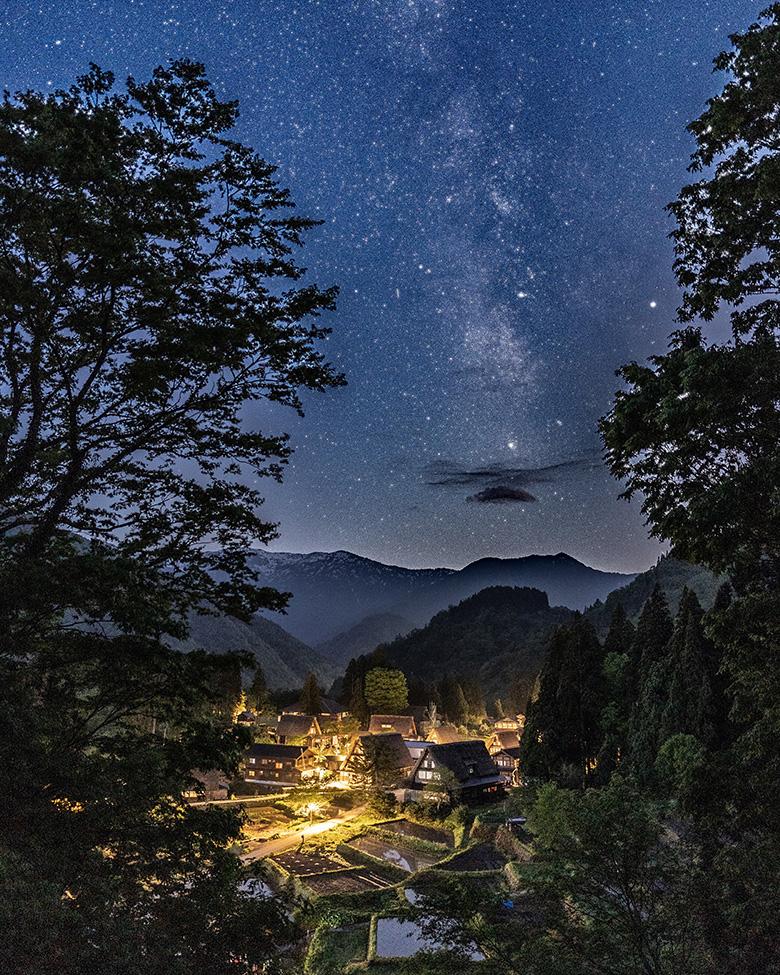 相倉合掌造り集落展望台から見た天の川