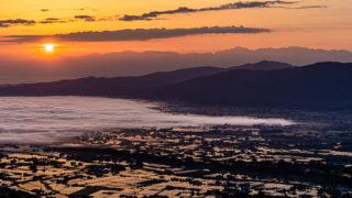 医王山展望台 散居村と雲海