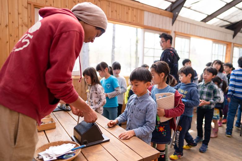 北軽井沢スウィートグラスでバッジづくり