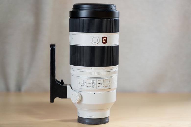 FE 100-400mm F4.5-5.6 GM OSS(SEL100400GM) にRRSの三脚座を取り付けた写真