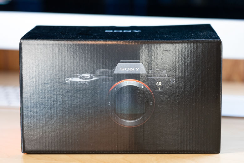 SONY α1(ILCE-1)の外箱